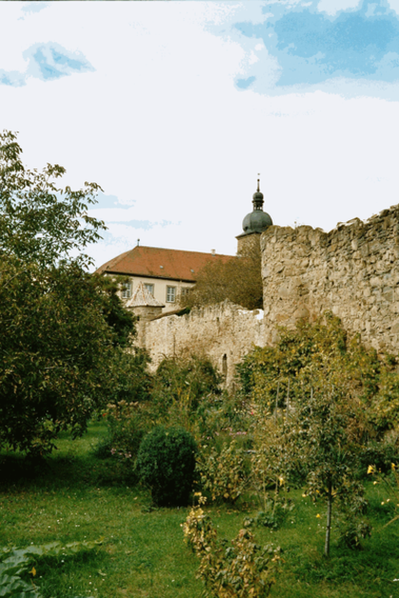 Medieval walls and in the background the Propstenhof